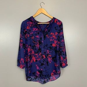 NYDJ • Gorgeous Loose Floral Button Up Blouse